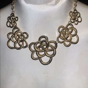 NWT Erica Lyons statement necklace